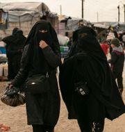 Kvinnor i al-Hol-lägret Maya Alleruzzo / TT NYHETSBYRÅN