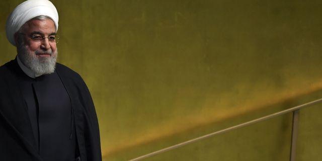 Irans president Hassan Rouhani anlände till New York inför generalförsamlingen på tisdagen.  TIMOTHY A. CLARY / AFP