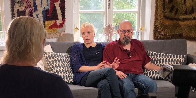 Föräldrarna Pernilla och Hans.  Kalla fakta /TV4.