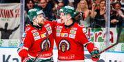 Frölundas Mats Rosseli Olsen och Max Friberg jublar efter 6-2 MICHAEL ERICHSEN / BILDBYRÅN