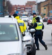 Polisen kontrollerar fordon i samband med operation Vårvinter.  Johan Nilsson/TT / TT NYHETSBYRÅN