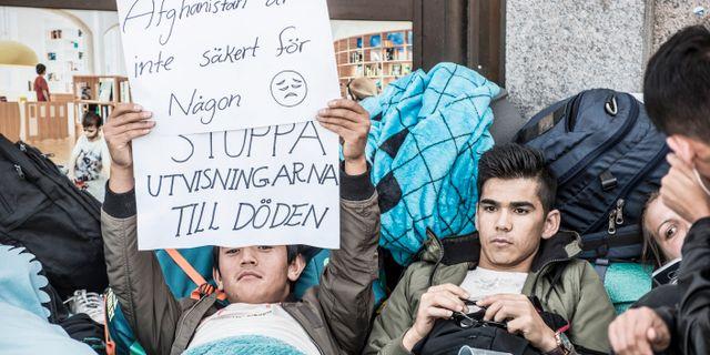 Unga asylsökande manifesterar på Medborgarplatsen i Stockholm mot utvisningarna till Afghanistan, 2017. Lars Pehrson/SvD/TT / TT NYHETSBYRÅN