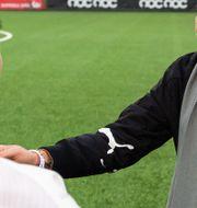 Rosengårds sportchef Therese Sjögran firar guldet ihop med Malin Levenstad. PETTER ARVIDSON / BILDBYRÅN