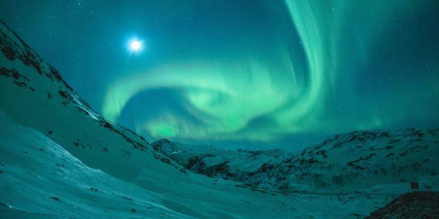 Nu kan du se norrsken direkt från tågkupén. Tobias Bjørkli/Pexels