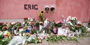 Hyllning till Eric Torell vid platsen för ingripandet. Arkivbild.  Stina Stjernkvist/TT / TT NYHETSBYRÅN