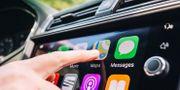 Techjättarnas infotainmentlösningar – inte så trafiksäkra som många kanske tror. Shutterstock