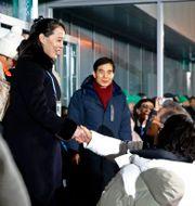 Kim Yo Jong, syster till diktatorn Kim Jong Un, skakar hand med Sydkoreas president Moon Jae-in i vid vinter-OS i Sydkorea 2018 Patrick Semansky / TT / NTB Scanpix