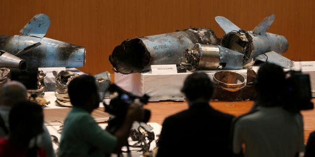 Rester från den robot som användes vid attacken mot en av oljeanläggningarna i helgen. HAMAD I MOHAMMED / TT NYHETSBYRÅN