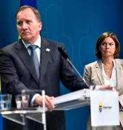 Nyamko Sabuni (L)/ Stefan Löfven (S) och Isabella Lövin (MP). TT