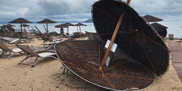 Strand i Halkidikiregionen efter stormen.  STAFF / TT NYHETSBYRÅN