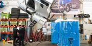 Elever utbildar sig till lastbilsmekaniker på fordons- och transportprogrammet. Fredrik Sandberg/TT / TT NYHETSBYRÅN