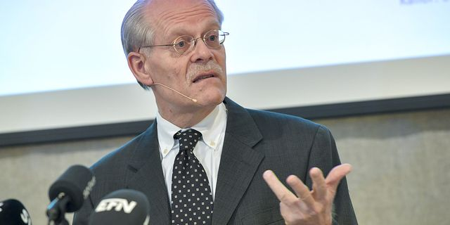 Politiker ska ersatta riksbanken