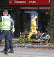Polisen på plats på Övre Husargatan i Annedal Adam Ihse/TT / TT NYHETSBYRÅN