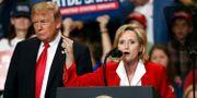 Trump och Hyde-Smith under ett kampanjmöte på måndagen. Rogelio V. Solis / TT NYHETSBYRÅN