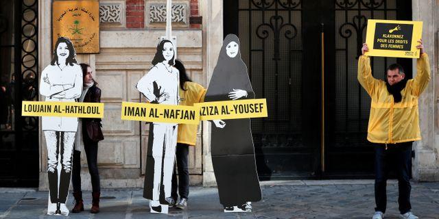Amnesty håller en demonstration till stöd för de gripna kvinnorna. Benoit Tessier / TT NYHETSBYRÅN