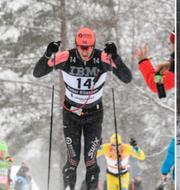 Petter Eliassen framför Stian Hoelgaard. TT