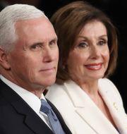 Vicepresident Mike Pence och Nancy Pelosi. Drew Angerer / GETTY IMAGES NORTH AMERICA