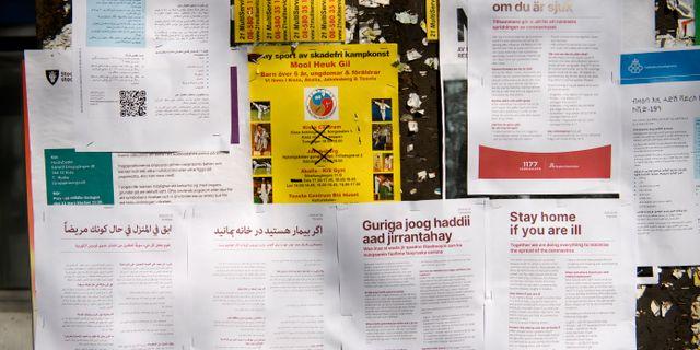 Information om coronaviruset på flera språk.  Henrik Montgomery/TT / TT NYHETSBYRÅN