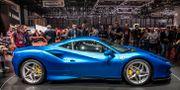 Sportbilen Ferrari F8 Tributo visas på bilsalongen i Genève den 5 mars. Malin Hoelstad/SvD/TT / TT NYHETSBYRÅN