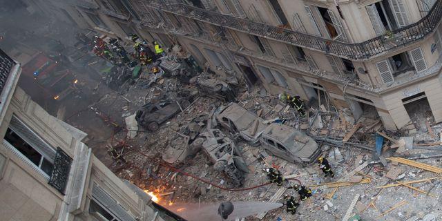 Bilder visar stor förödelse efter explosionen. CARL LABROSSE / AFP