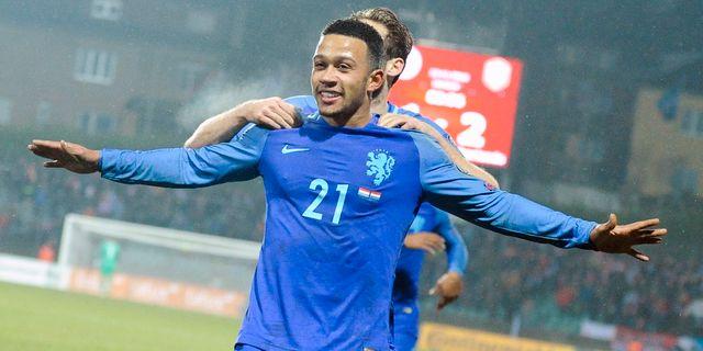 Mephis Depay jublar efter sitt 3–1-mål mot Luxemburg. Laurent Dubrule  .  Kvalet till fotbolls-VM 2018 9b6d7e544d99a