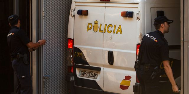 Spansk polis.  Andres Kudacki / TT / NTB Scanpix