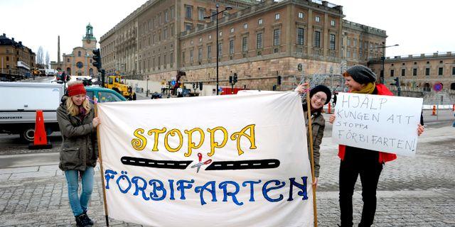 Miljöaktivister demonstrerar mot Förbifart Stockholm. JANERIK HENRIKSSON / TT / TT NYHETSBYRÅN