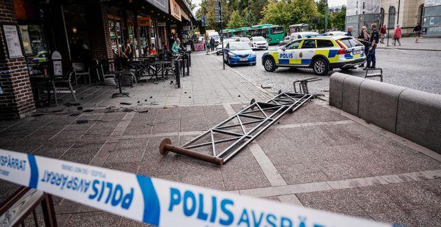 Polis på plats vid järnvägsstationen i Lund under gårdagen.  Johan Nilsson/TT / TT NYHETSBYRÅN