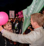 FI:s Soraya Post och Miljöpartiets Gustav Fridolin under MP:s valvaka 2014. PONTUS LUNDAHL / TT / TT NYHETSBYRÅN