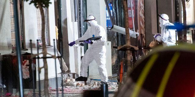Polisens kriminaltekniker undersöker brottsplatsen på Stora Södergatan i centrala Lund efter en explosion tidigt på lördagsmorgonen. Johan Nilsson/TT / TT NYHETSBYRÅN