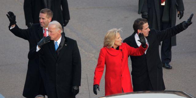 Joe Biden, hans fru Jill Biden och sönerna Hunter och Beau.  Jae Hong / TT NYHETSBYRÅN