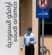 Illustrationsbild: Utanför Saudi Aramcos anläggning i Jiddah, Saudiarabien.  Amr Nabil / TT NYHETSBYRÅN
