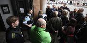 Allmänhet och media kölar utanför Köpenhamns byret tidigare i veckan. Johan Nilsson/TT / TT NYHETSBYRÅN