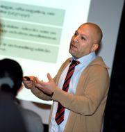Nazar Akrami under ett seminarium 2009. Claudio Bresciani / TT / TT NYHETSBYRÅN