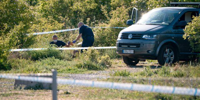 Polisens kriminaltekniker den 2 juni i år efter anmälan om en våldtäkt. Johan Nilsson/TT / TT NYHETSBYRÅN