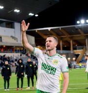 Richard Magyar jublar efter matchen.  SIMON HASTEGÅRD / BILDBYRÅN