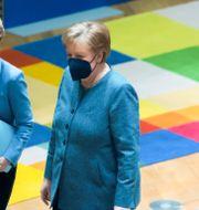 Ursula van der Leyen, Eu-kommissionens ordförande, med Tysklands förbundskansler Angela Merkel.  Olivier Matthys / TT NYHETSBYRÅN