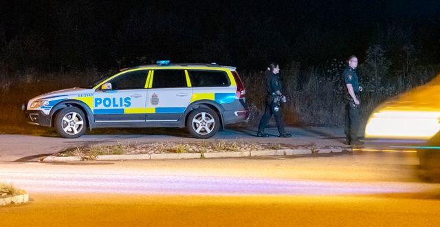 Polisen arbetar vid ungdomshemmet i samband med fritagningen. Johan Nilsson/TT / TT NYHETSBYRÅN