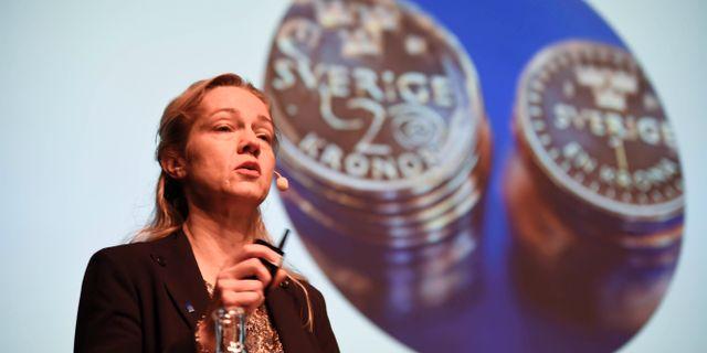Cecilia Skingsley, vice riksbankschef, presenterar planerna på en E-krona 2016.  Marko Sävälää/TT / TT NYHETSBYRÅN