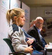 Therese Johaug. I bakgrunden Fredrik S Bendiksen. Arkivbild från 2016. Håkon Mosvold Larsen / TT NYHETSBYRÅN