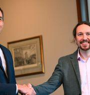 Premiärminister Pedro Sánchez samt Pablo Iglesias, ledare för Unidas Podemos. GABRIEL BOUYS / AFP