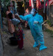 Covidtestning i Indien. Anupam Nath / TT NYHETSBYRÅN