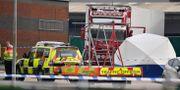 Avspärrningar vid lastbilen. BEN STANSALL / AFP