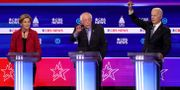 Elizabeth Warren, Bernie Sanders och Joe Biden i nattens debatt. WIN MCNAMEE / TT NYHETSBYRÅN