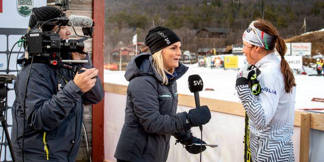 Charlotte Kalla intervjuas av SVT:s vinterstudion i november 2018. Ulf Palm/TT / TT NYHETSBYRÅN