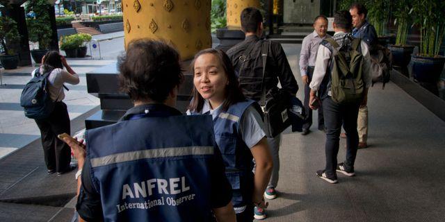 Valobservatörer från ANFREL samlas för en pressträff i Bangkok. Gemunu Amarasinghe / TT NYHETSBYRÅN