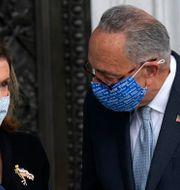 Nancy Pelosi, talman i representanthuset, Chuck Schumer, minoritetsledare i senaten. Alex Brandon / TT NYHETSBYRÅN