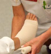 Arkivbild: undersköterska i arbete. LEIF R JANSSON / TT / TT NYHETSBYRÅN