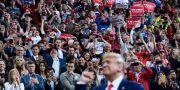 Trump och Trumpanhängare på ett kampanjmöte i Louisiana i helgen.  BRENDAN SMIALOWSKI / AFP