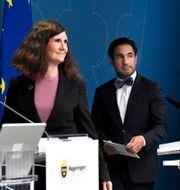 Märta Stenevi (MP) och Ardalan Shekarabi (S) Claudio Bresciani/TT / TT NYHETSBYRÅN